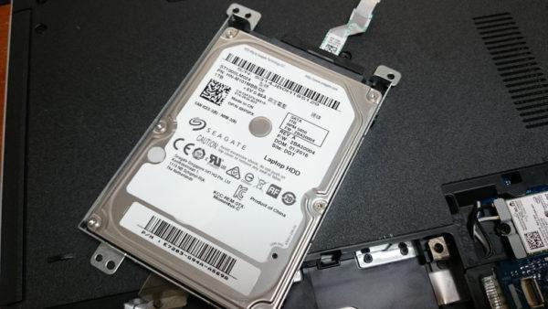 INSPIRON15 5558 SSD換装 SATAケーブル外す