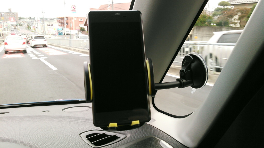 Omakerの3in1セット車載ホルダー 運転中