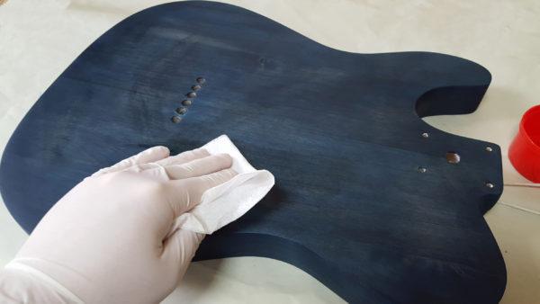 ギターオイルフィニッシュ  キムワイプ