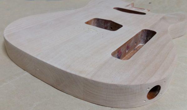 ギターの塗装剥がし 空研ぎヤスリ#120