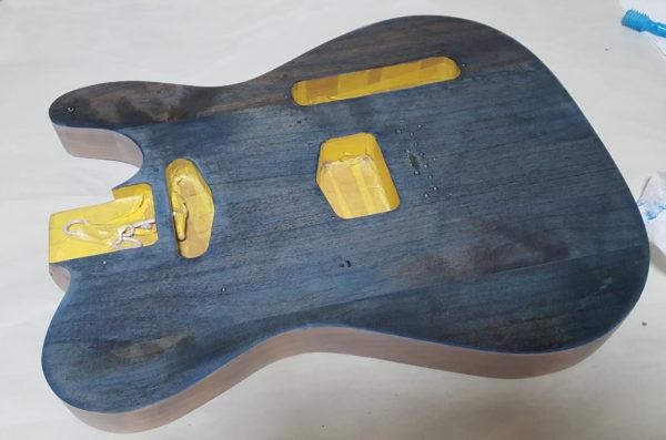 ギターの塗装 ステイン着色  染色 着色
